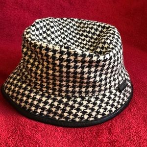 Coach houndstooth bucket hat